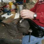 Assembling the right suspension control arms